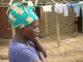 Eine Nachbarin mit Kopftuch