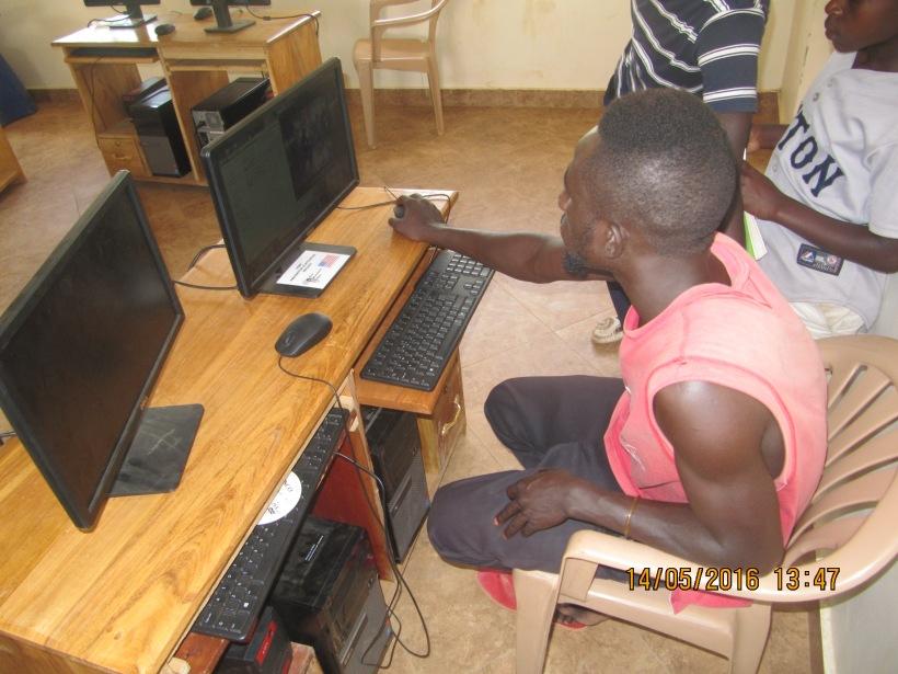 Das Arbeiten am Computer (Foto von Felix)