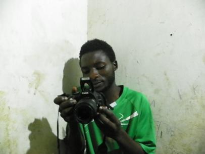 Wir begutachten die Kamera von Bonde