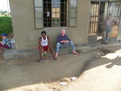 Alle Albinos müssen sich tagsüber meist in den Schatten setzen
