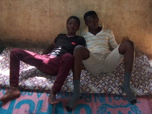 Zwei meiner Freunde auf einer Matte
