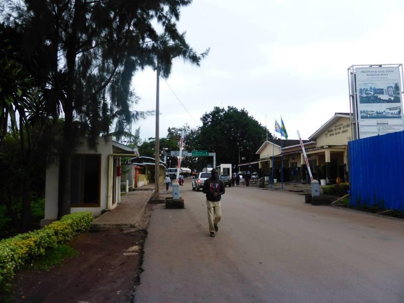 Die ugandisch- kongolesische Grenze stellt für Viele die Hoffnung auf ein besseres Leben dar