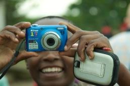 Janvier mit seiner blauen Kamera