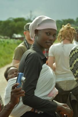 Nuriaty mit ihrem Baby Naillah