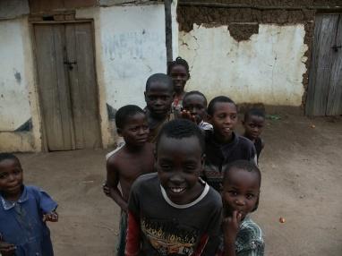 Kinder aus Gatogo