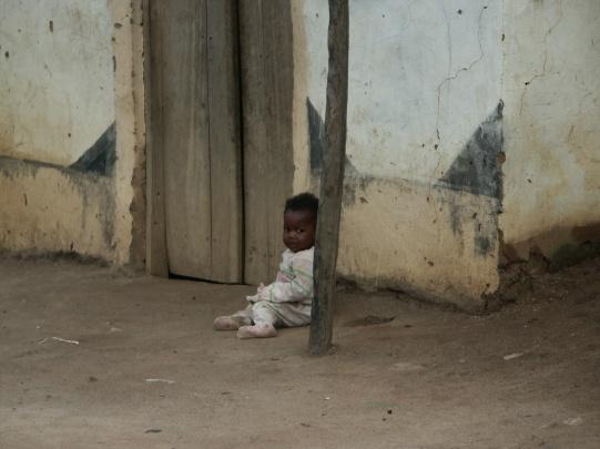 Ein Kind in Gatogo